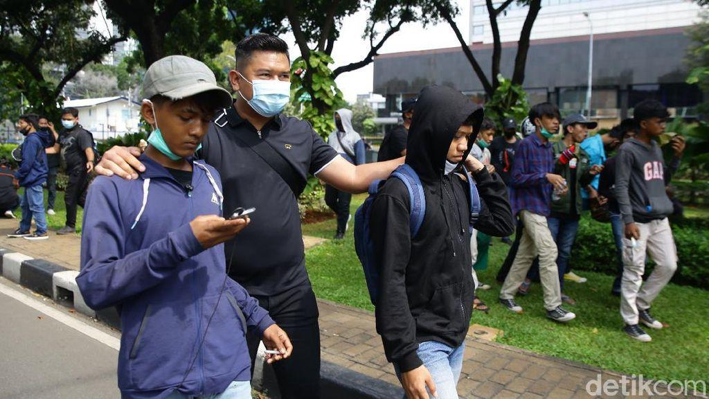 Polisi Jaring Massa Pedemo Tanpa Identitas Mahasiswa