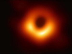 Nobel Fisika untuk Teori yang Memecahkan Misteri di Pusat Lubang Hitam