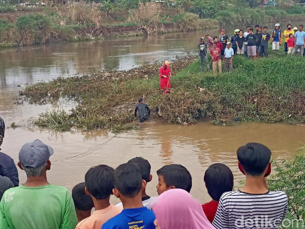 Bocah Bandung Diduga Tenggelam Saat Berenang di Anak Sungai Citarum