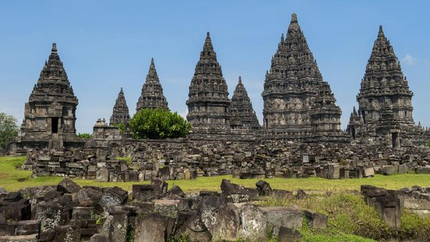 The largest Hindu temple of ancient Java, and the first building was completed in the mid-9th century. The temple compound, a UNESCO World Heritage Site, is the largest Hindu temple site in Indonesia, and one of the biggest in Southeast Asia.