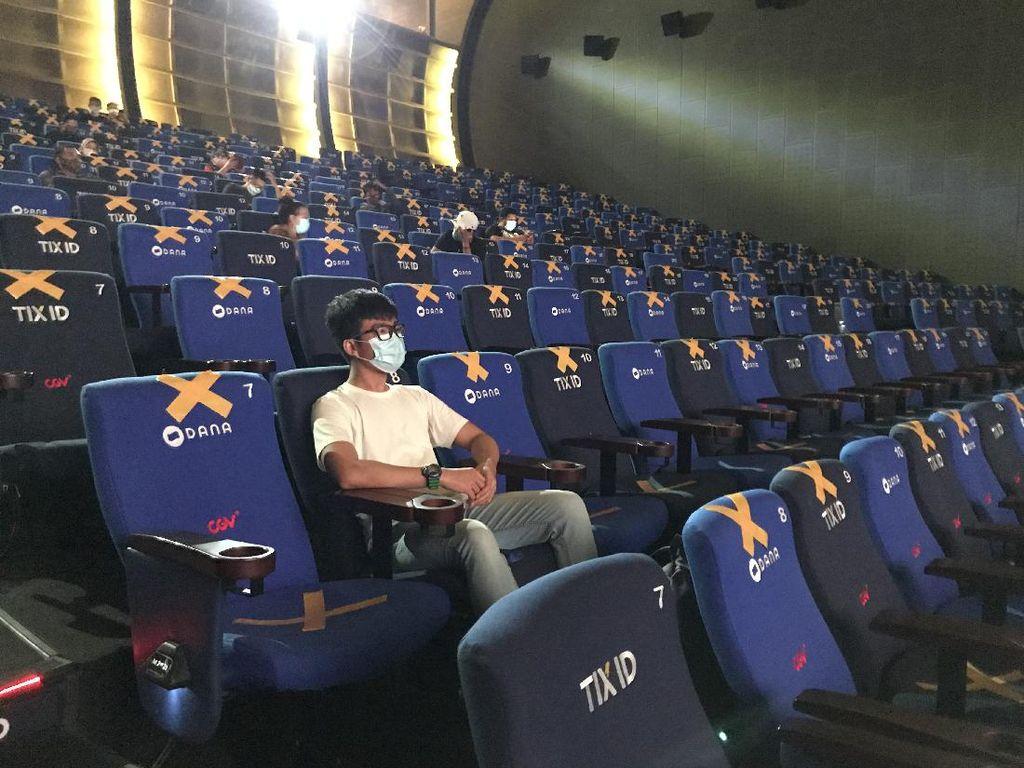 Aturan Keluar Bioskop 30 Menit Sekali hingga Karantina Mandiri Hoax