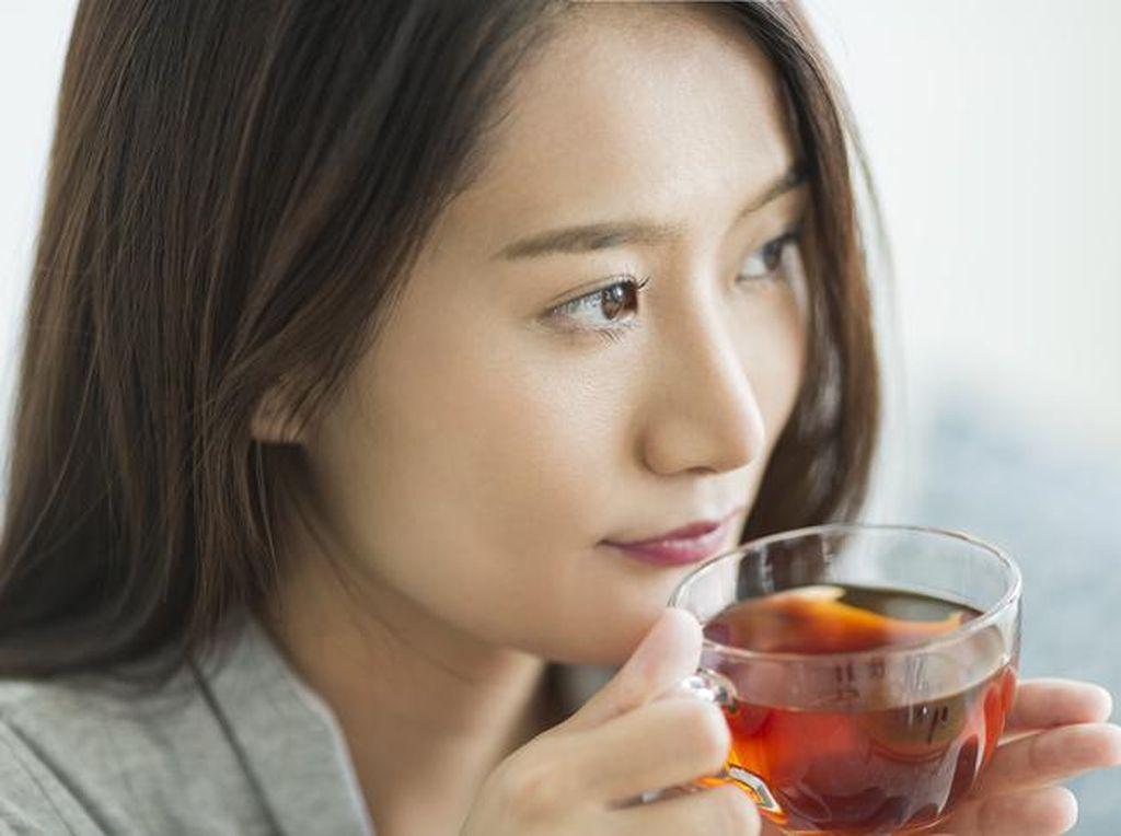 10 Efek Minum Teh dalam Kondisi Perut Kosong di Pagi Hari