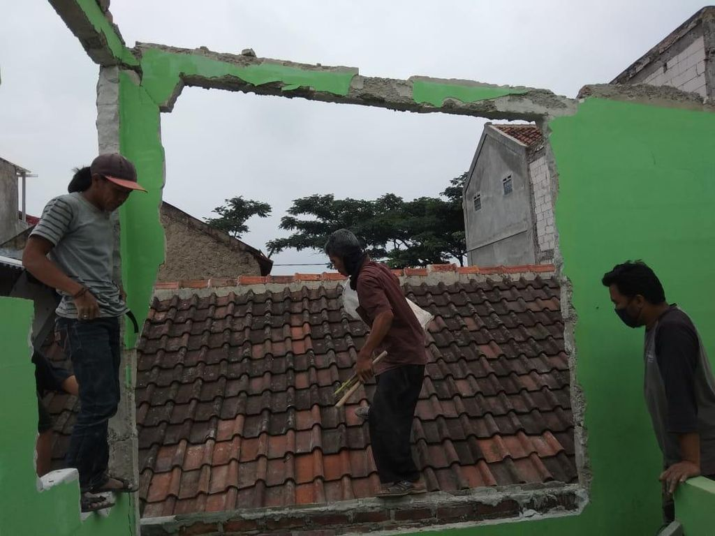 4 Rumah di Bandung Barat Rusak Akibat Ledakan Tabung Gas Melon