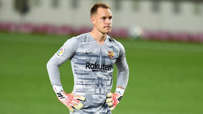 BARCELONA, SPAIN - JUNE 30: Marc-Andre ter Stegen of FC Barcelona looks on during the Liga match between FC Barcelona and Club Atletico de Madrid at Camp Nou on June 30, 2020 in Barcelona, Spain. (Photo by David Ramos/Getty Images)