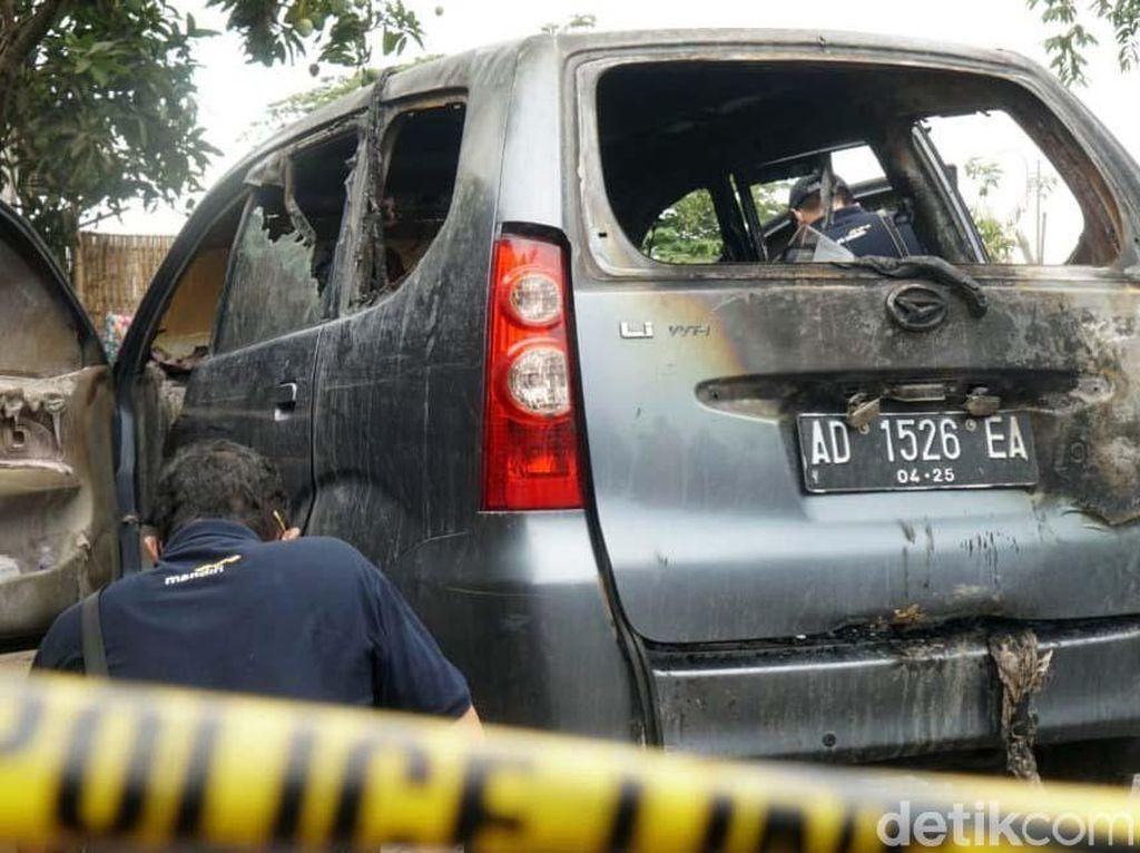 Polisi Ungkap Posisi Mayat Wanita yang Terbakar dalam Mobil di Sukoharjo