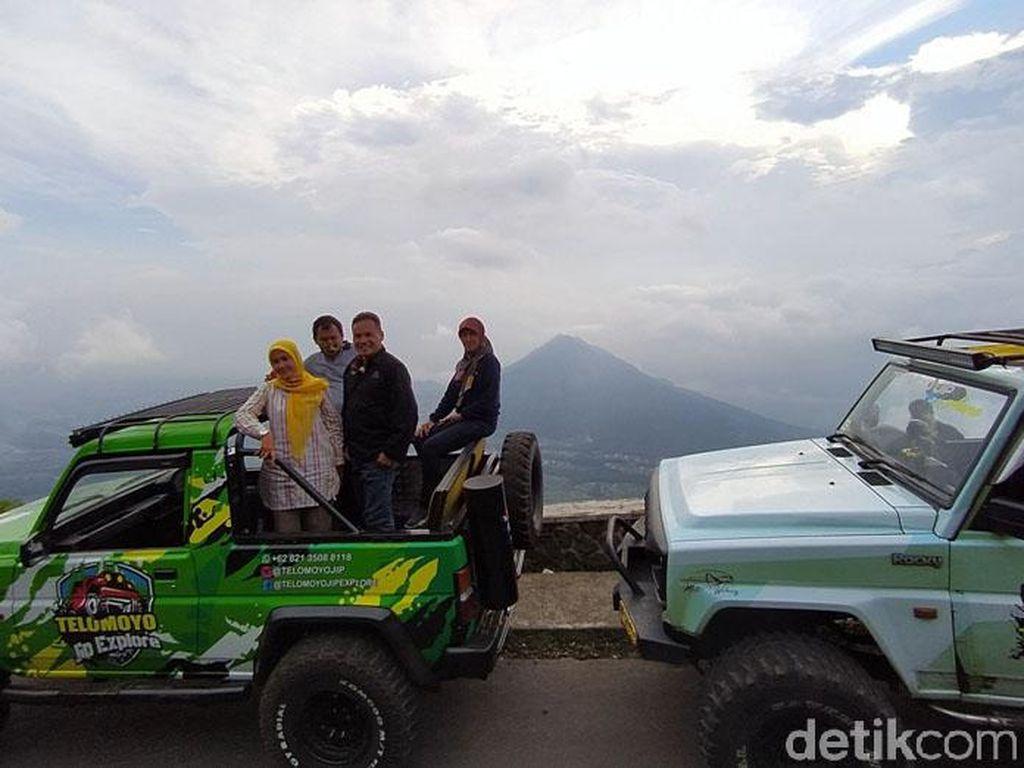 Menikmati Indahnya Pemandangan di Gunung Telomoyo Sambil Naik Jip