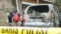 Polisi Gelar Olah TKP Mayat Wanita Terbakar dalam Mobil di Sukoharjo