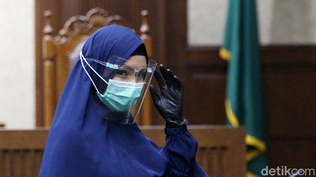Jaksa Pinangki Sirna Malasari menjalani sidang lanjutan di PN Tipikor Jakarta, Rabu (21/10/2020). Pinangki tampak berbusana muslim syar'i.