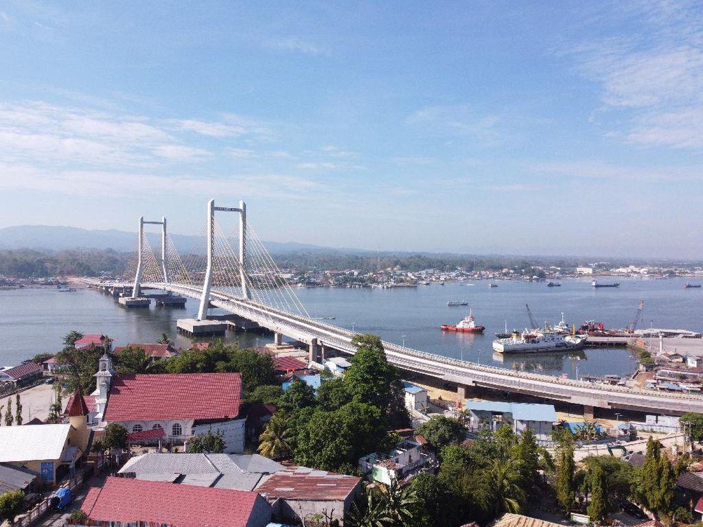 Jokowi Resmikan Jembatan Teluk Kendari: Mobilitas Jadi Efisien