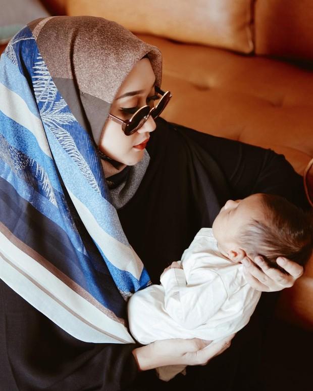 Gaya hijab Dian Pelangi