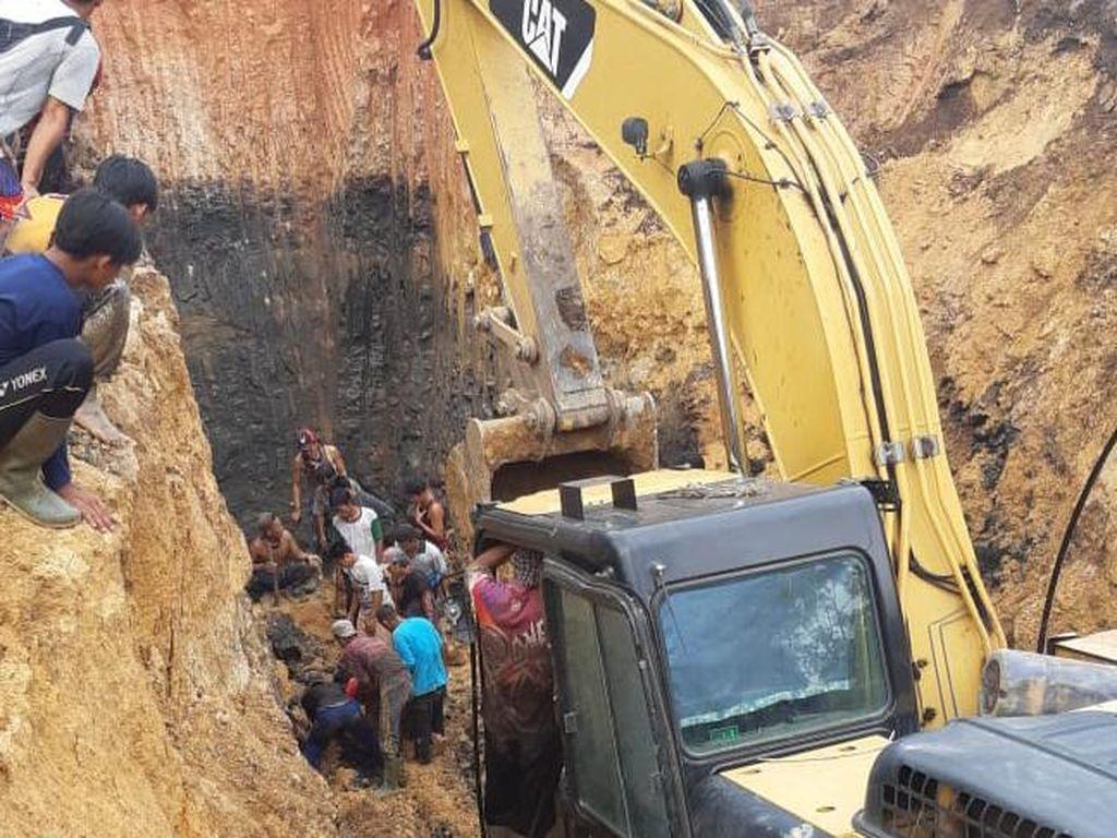 Petaka Longsor di Tambang Batu Bara Tewaskan Belasan Pekerja
