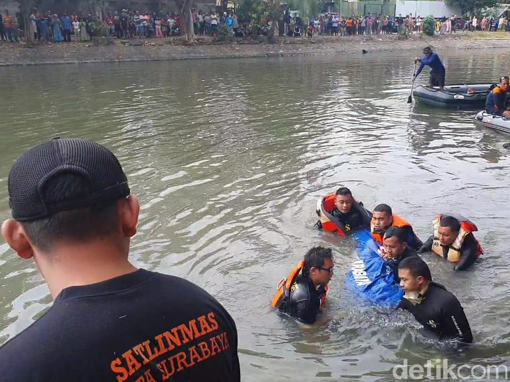 Bocah 14 Tahun yang Tenggelam di Kalimas Surabaya Ditemukan