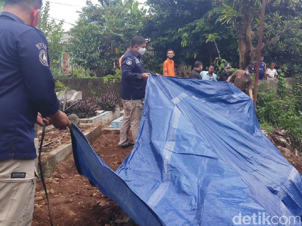 TPU Cikaret Bogor Longsor, Sejumlah Makam Direlokasi