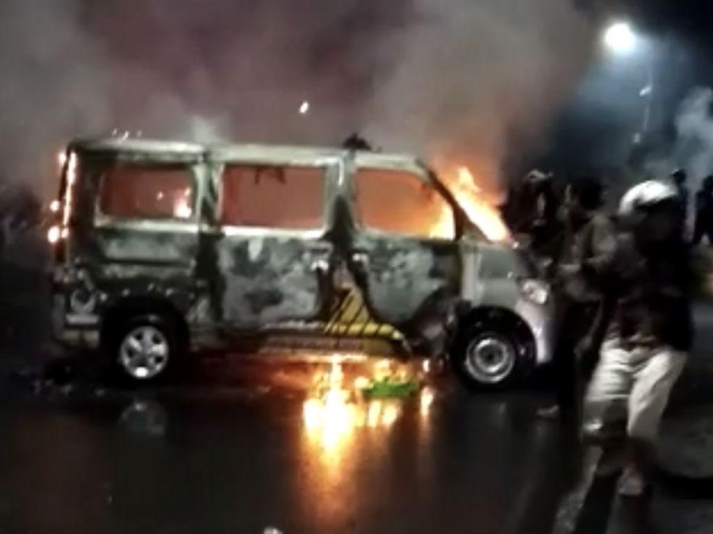 Kantor NasDem Makassar Diserang Saat Demo, Kapolda: Pelaku Ingin Chaos