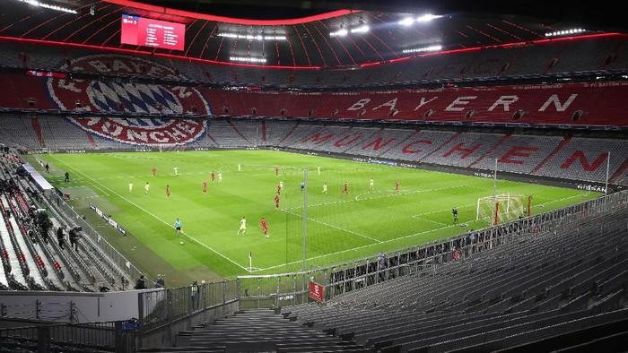 Bayern Munich mengalahkan Atletico Madrid dengan skor telak 4-0 dalam laga Grup A Liga Champions. Kemenangan ini menempatkan Bayern di puncak klasemen Grup A.