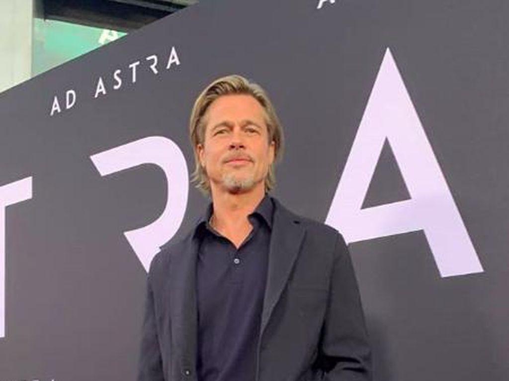 Brad Pitt Putus usai Nicole Poturalski Kembali ke Suami