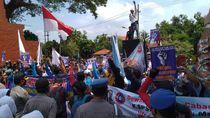 Pengamanan Humanis, Demo Buruh Tolak Omnibus Law di Mojokerto Kondusif