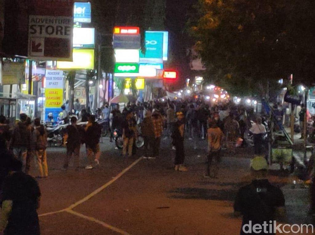 Demo Mahasiswa Tolak Omnibus Law di Jember Bubar Karena Ada Penyusup