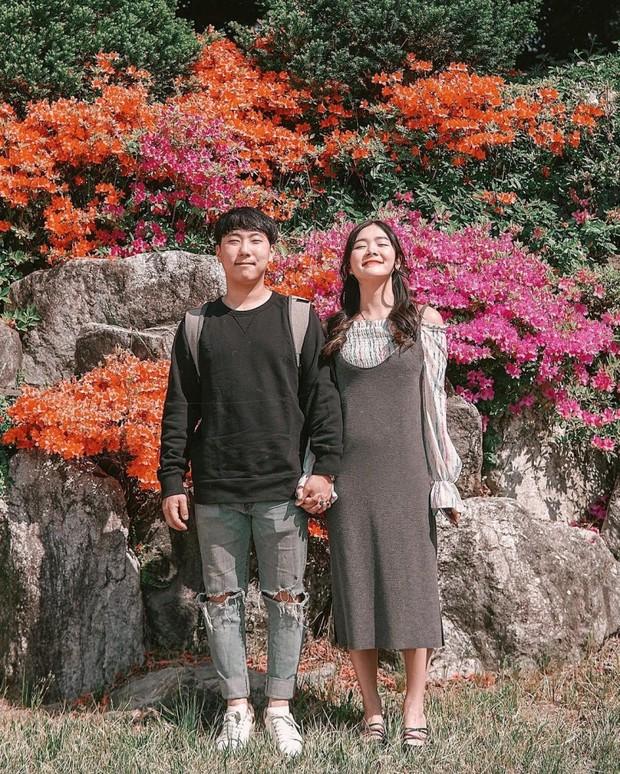 Penampilan Korean style ala influencer Michimomo.
