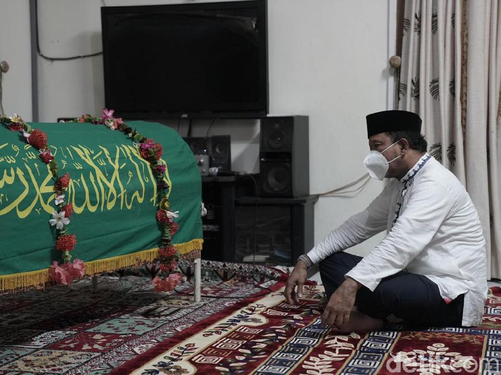 Ipong Berbela Sungkawa Atas  Meninggalnya KH Abdullah Syukri Zarkasyi