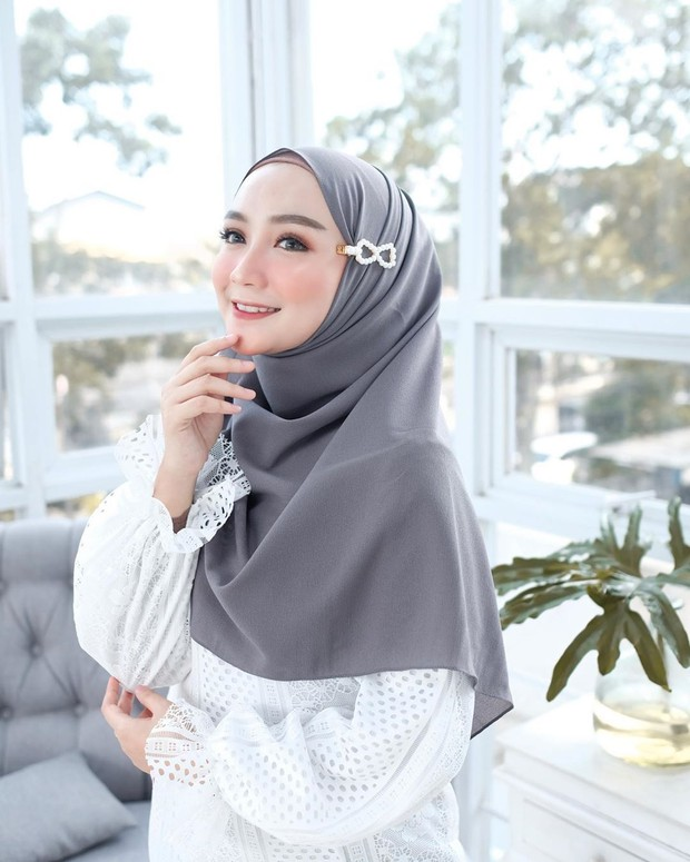 Jepit hijab