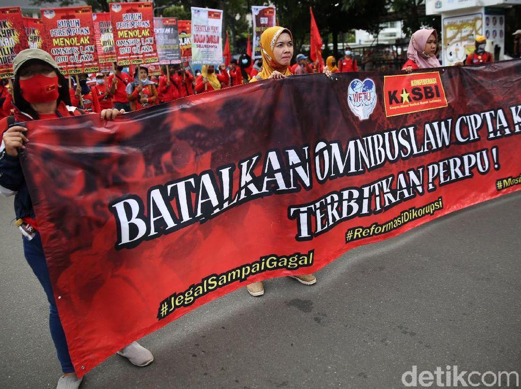 Puluhan Ribu Buruh Kepung MK dan Istana Besok