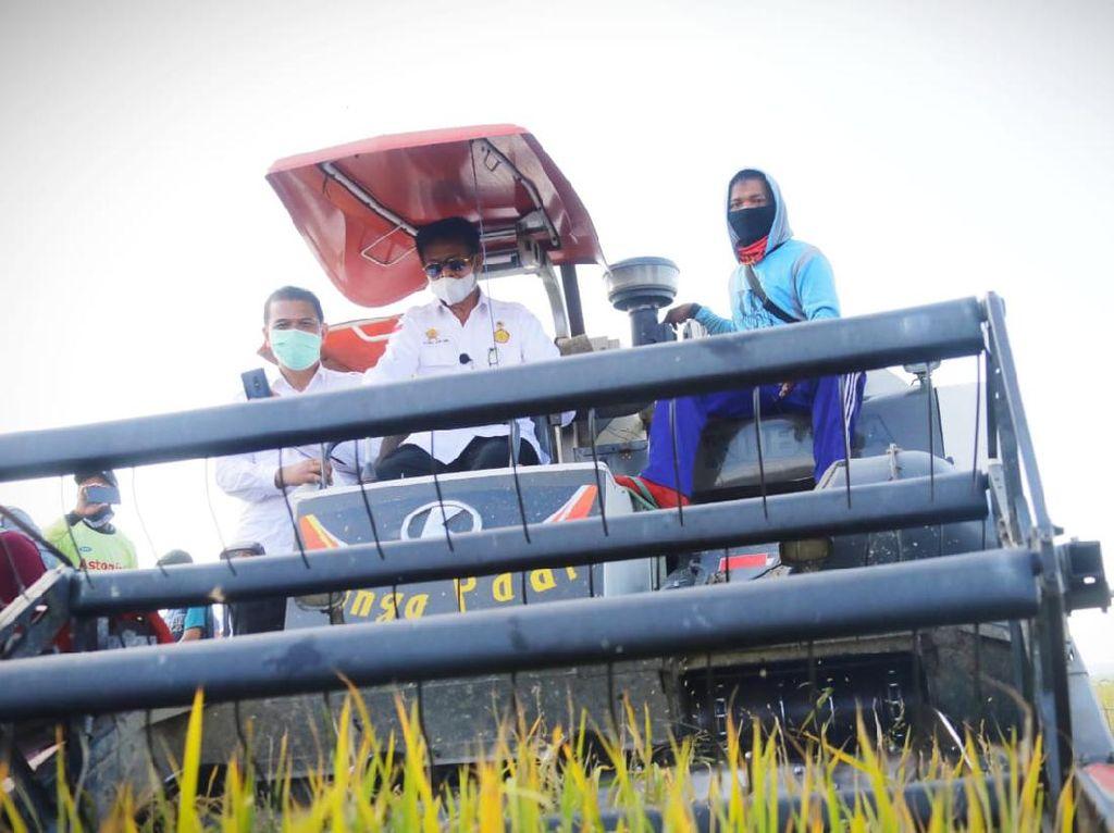 Mentan Puji Bupati Konawe Selatan Tingkatkan Produktivitas Pertanian