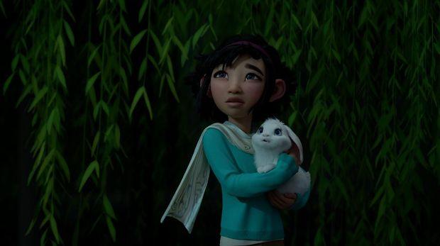 Fei Fei dalam berbagai adegan di film Over The Moon.