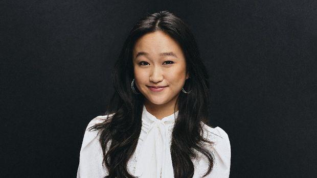 Aktor Cathy Ang menyulih suara karakter karakter utama bernama Fei Fei dalam film Over The Moon.