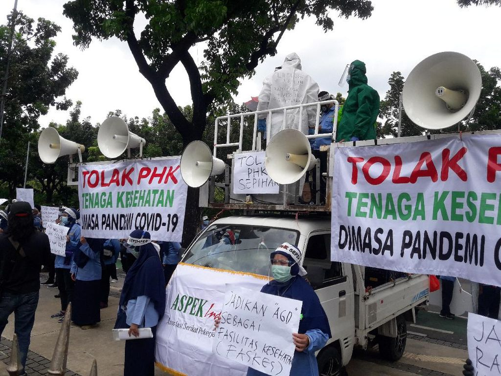 Dinkes DKI Jelaskan Polemik yang Berujung Pekerja Ambulans Demo Anies