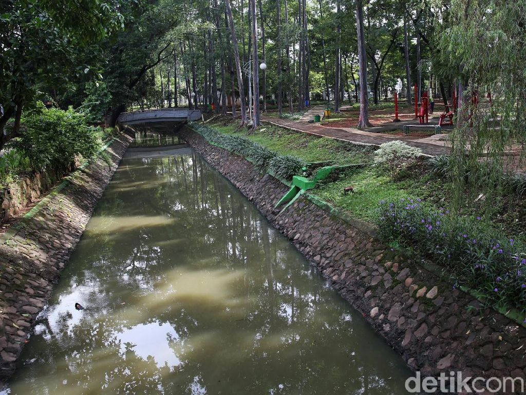 Melihat Revitalisasi Taman Tebet yang Akan Difungsikan Jadi Pengendali Banjir