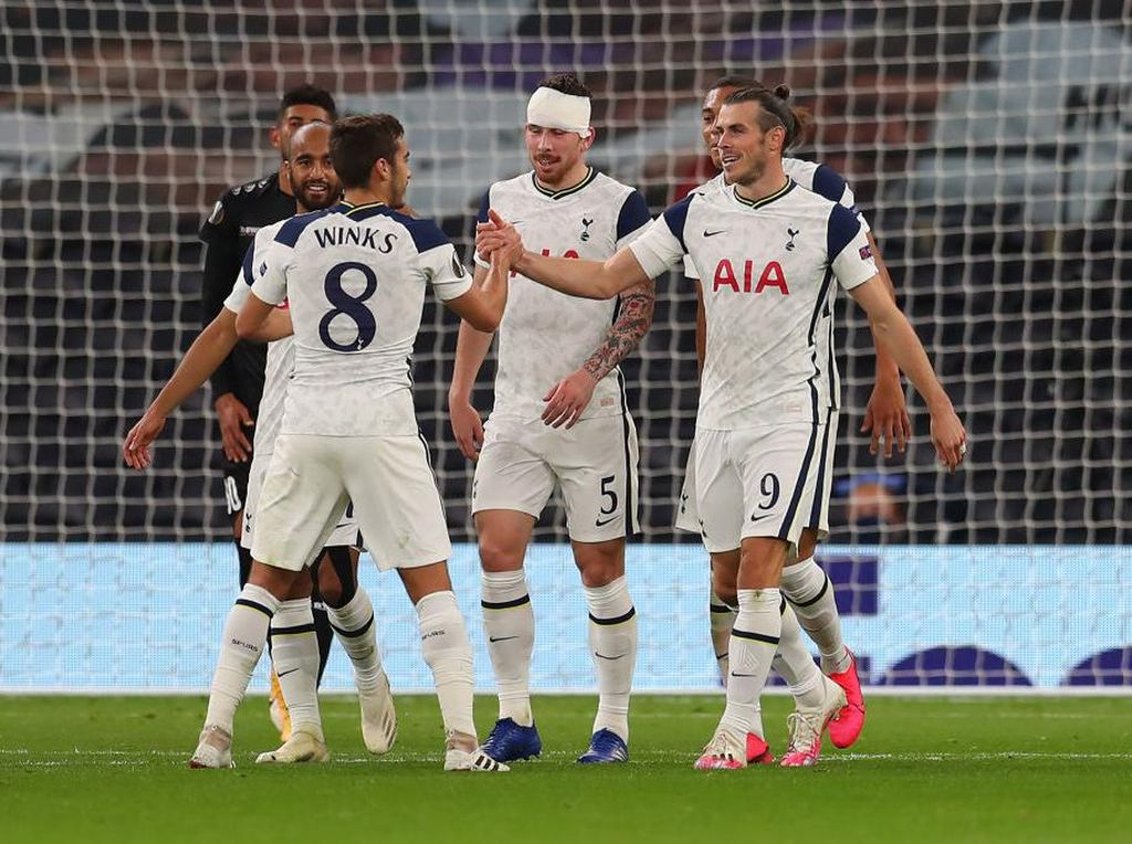 Kalau Liverpool Susah Juara, Carragher Dukung Tottenham