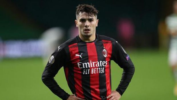 AC Milan's Spanish midfielder Brahim Diaz celebrates after scoring his team's second goal  during the UEFA Europa League 1st round group H football match between Celtic and AC Milan at Celtic Park stadium in Glasgow, Scotland on October 22, 2020. (Photo by RUSSELL CHEYNE / POOL / AFP)