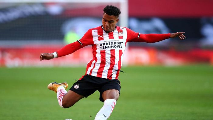 EINDHOVEN, NETHERLANDS - OCTOBER 04:  Donyell Malen of PSV in action during the Dutch Eredivisie match between PSV Eindhoven and Fortuna Sittard at Philips Stadion on October 04, 2020 in Eindhoven, Netherlands. (Photo by Dean Mouhtaropoulos/Getty Images)