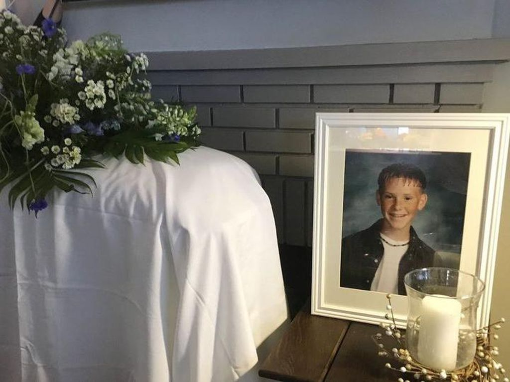 Berulang Tahun, Pria Ini Malah Dapat Kejutan Upacara Pemakaman dari Pacarnya