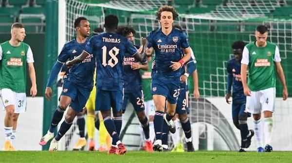 Rapid Vienna Vs Arsenal Aubameyang Cetak Gol The Gunners Menang 2 1