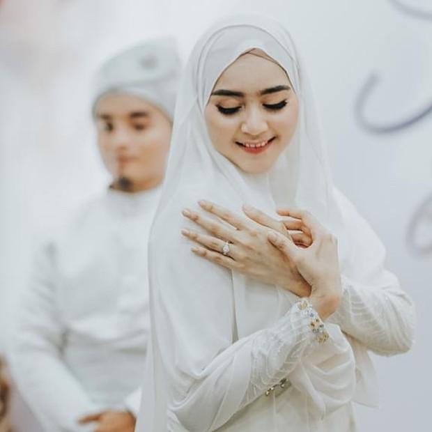 Potret Sherel Thalib, istri Taqy Malik.