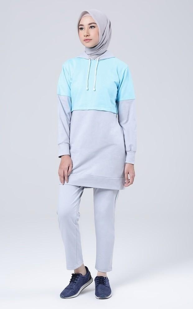 Outfit olahraga wanita berhijab humaira hoodie sportwear 2/Hijup.com