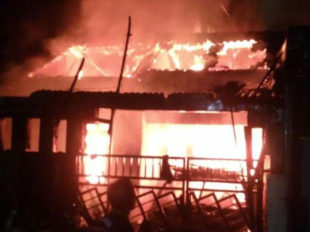 4 Rumah Terbakar di Legok Tangerang, Satu Keluarga Tewas