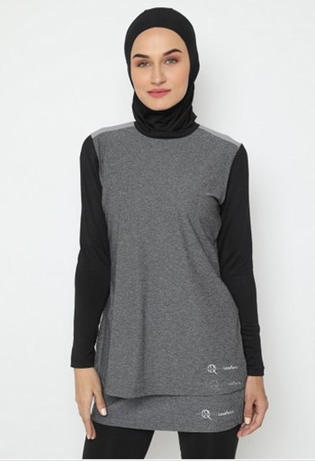 Outfit olahraga wanita berhijab Lee Vierra / OR Sport Tops Activewear/Zalora.co.id