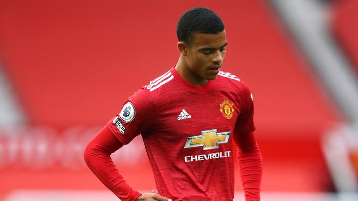 MANCHESTER, ENGLAND - OCTOBER 04:  Mason Greenwood of Manchester United looks on during the Premier League match between Manchester United and Tottenham Hotspur at Old Trafford on October 04, 2020 in Manchester, England. Sporting stadiums around the UK remain under strict restrictions due to the Coronavirus Pandemic as Government social distancing laws prohibit fans inside venues resulting in games being played behind closed doors. (Photo by Alex Livesey/Getty Images)