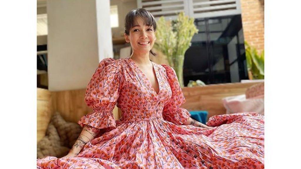 8 Pesona Mieke Amalia, Istri Tora Sudiro yang Cantiknya Awet