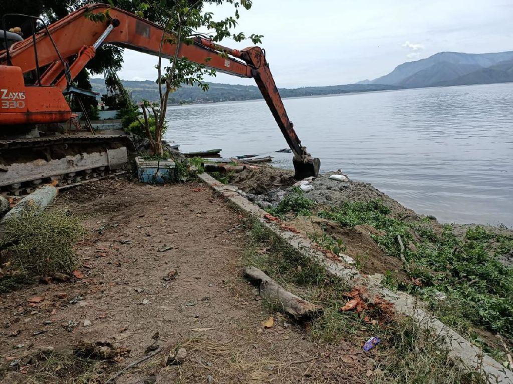 Terungkapnya Misteri 100 Ton Ikan Mati Mendadak di Danau Toba