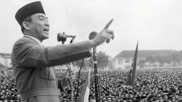 Leader of the Indonesian National Party Achmed Sukarno (1902-70) addresses a rally of 200,000 people in Macassar, demanding independence from the Netherlands in an undated photo. Sukarno was Indonesia's first president (1945-66) when Indonesia was granted independence in 1945. (Photo by AFP)