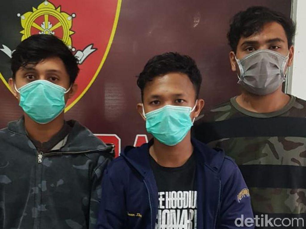 3 Pembacok Mahasiswa di Palembang Ditangkap, Katana-Airsoft Gun Disita