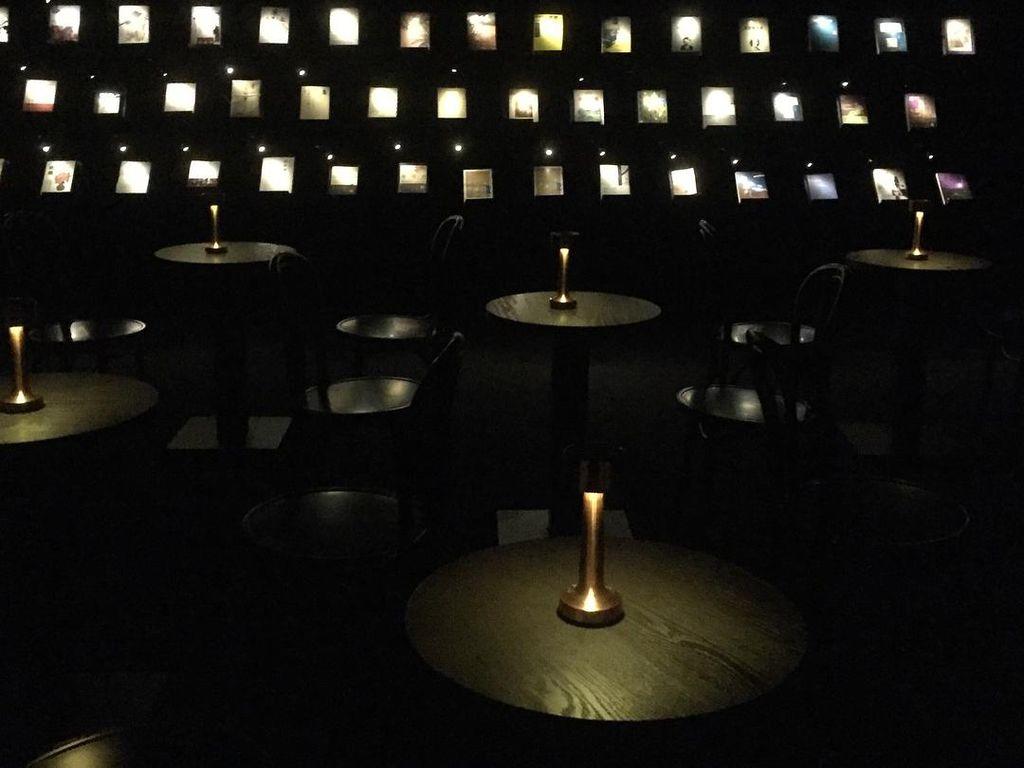 Wuguan Books, Toko Buku yang Tawarkan Sensasi Membaca dalam Kegelapan
