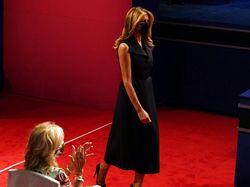 Melania Trump Kenakan Masker Saat Masuk ke Ruang Debat Capres AS