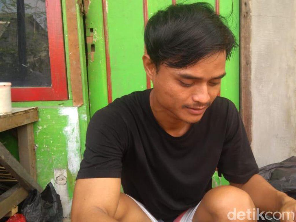 Cerita Pedagang Kopi Bekasi: Gerobaknya Terbang Diempas Puting Beliung