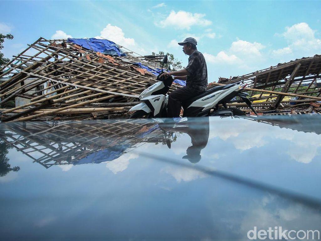 Ratusan Rumah di Bekasi Rusak Imbas Hantaman Puting Beliung