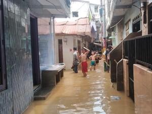 Ragam Suara DPRD DKI soal Rencana Hotel untuk Korban Banjir Mengungsi